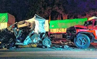 Dos niños fallecieron en un impresionante choque en Santa Fe