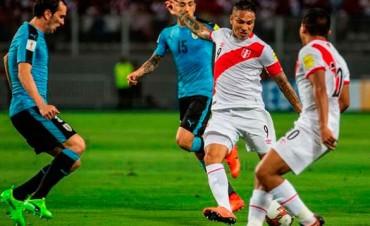 Perú lo dio vuelta, le ganó a Uruguay y se ilusiona con Rusia 2018
