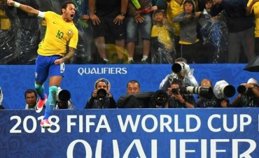 Brasil se floreó ante Paraguay y empieza a hablar en ruso