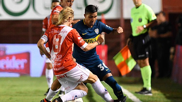 Argentinos derrotó con autoridad a Boca, que no pudo estirar la ventaja en la Superliga