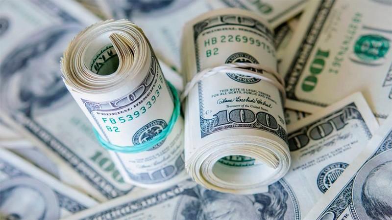 El dólar se disparó nueve centavos y tocó un nuevo récord a $ 20,61