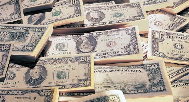El BCRA sacrificó en la semana u$s 385,5 millones para frenar disparada del dólar, que cerró a $ 20,55