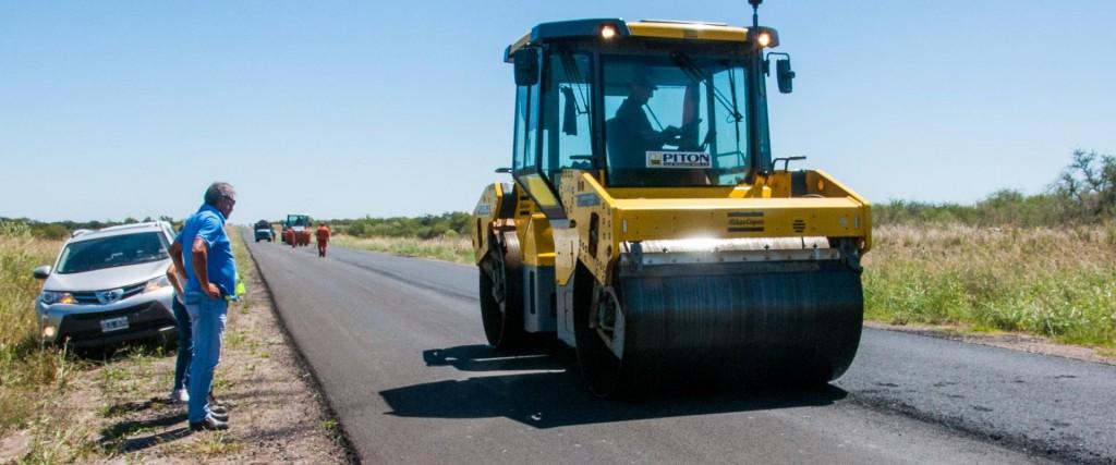 Continúan a buen ritmo las tareas de reconstrucción de la ruta provincial Nº 6
