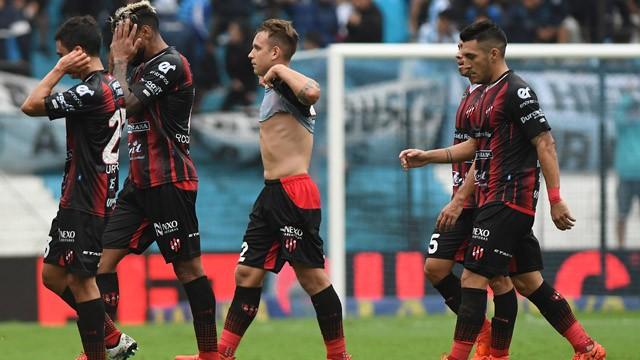 Patronato recibió un duro golpe ante Racing que lo aplastó en Avellaneda