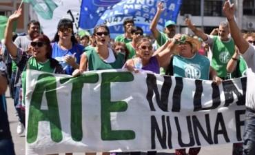 Una multitudinaria marcha denunció que Bordet condena a los trabajadores a quedar en la pobreza
