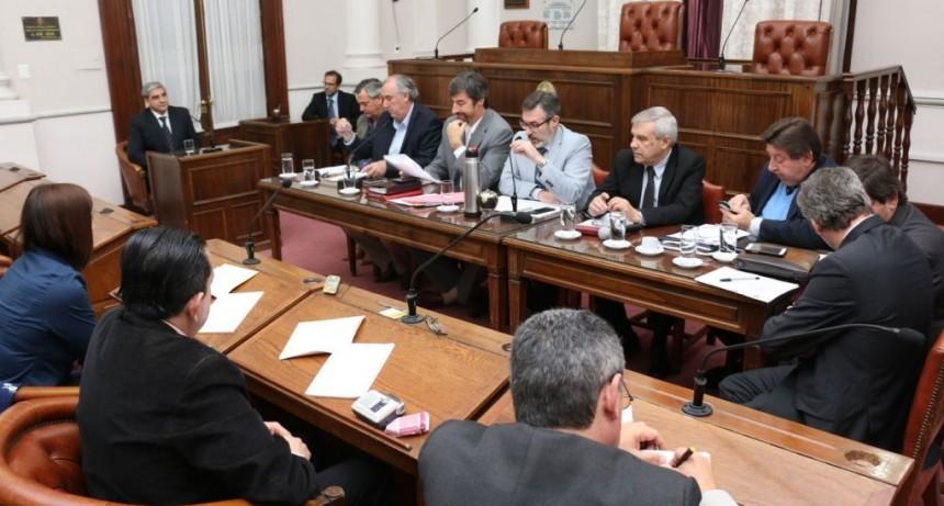 Pidieron acuerdo del Senado para que Maximiliano Larocca sea nombrado Juez de Garantías de Federal