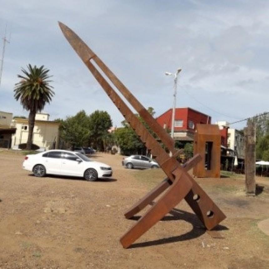 Donación de una escultura para nuestra Ciudad