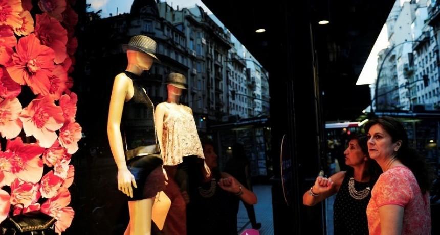 ¿Por qué está tan cara la ropa en Argentina?