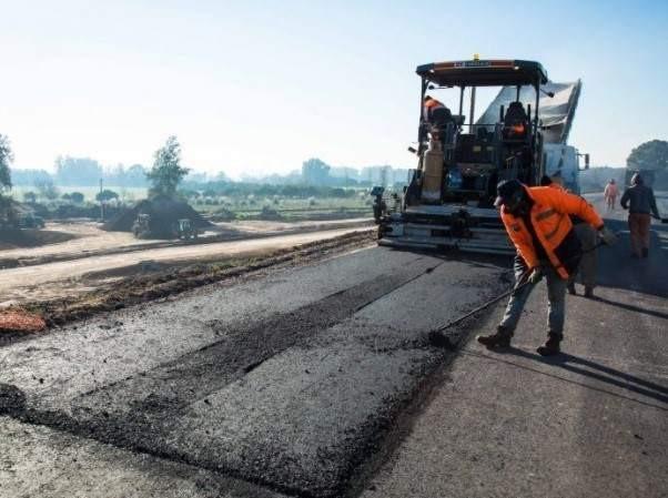 Tareas de mejoramiento asfáltico sobre Ruta Nacional 127.