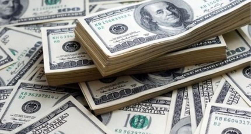 El dólar trepó 70 centavos y cerró a $ 40,84