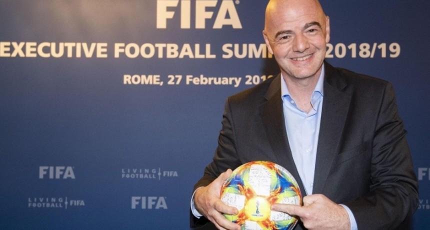 Nuevas reglas en el fútbol: todo gol con la mano, accidental o involuntaria, será anulado