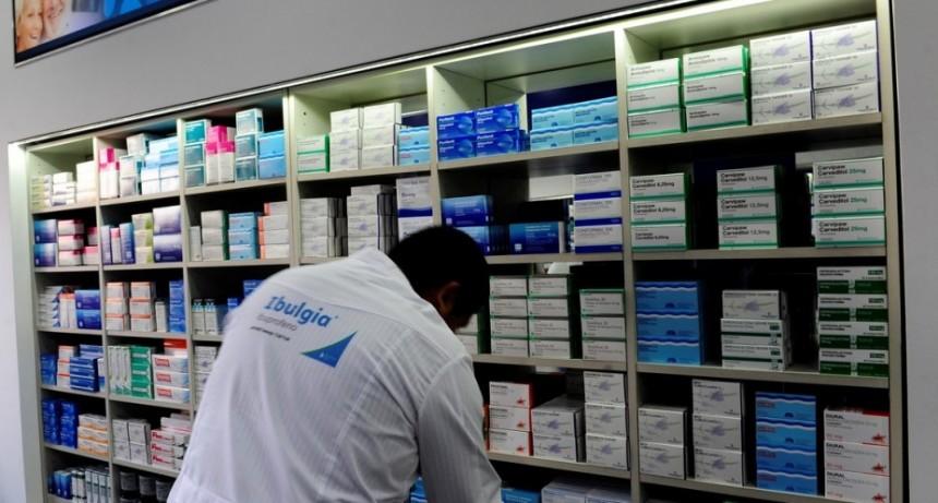 Los argentinos compraron 100 mil remedios menos por día el último año y preocupa la interrupción de tratamientos