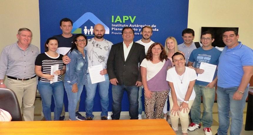 El IAPV entregó créditos hipotecarios a ocho familias para construir viviendas