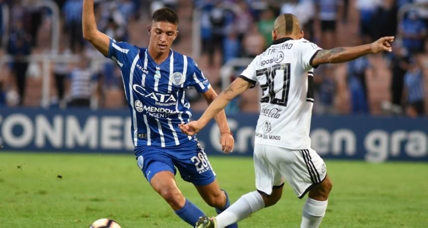 Godoy Cruz y Olimpia abrieron su grupo con un aburrido empate