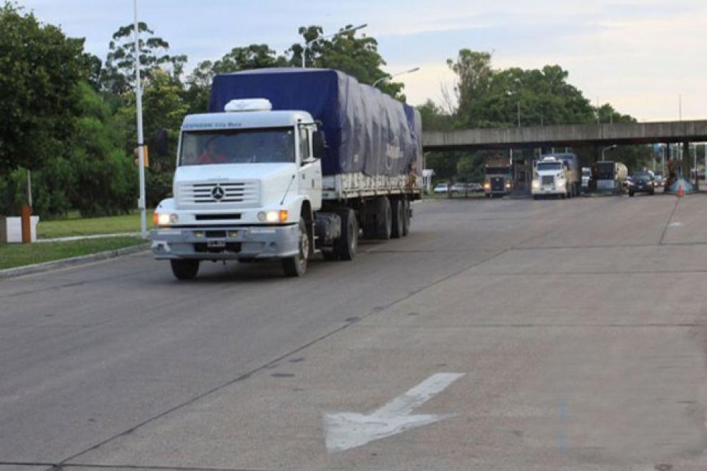 Coronavirus: El diputado Lacoste denunció el tránsito sin control de camiones brasileños