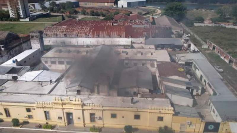 Difunden imágenes del incendio y motín en la cárcel de Concepción del Uruguay