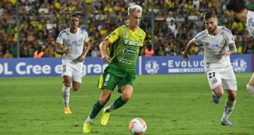 Defensa no pudo con Santos