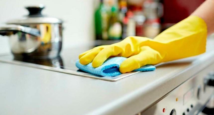 Empleadas de casa de familia acordaron suba salarial que rige desde marzo