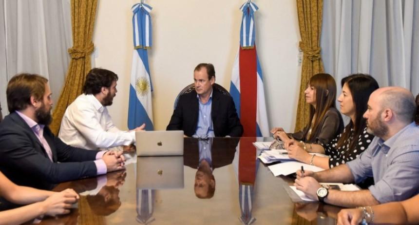 El gobierno avanza con el proyecto para producir medicamentos en la provincia