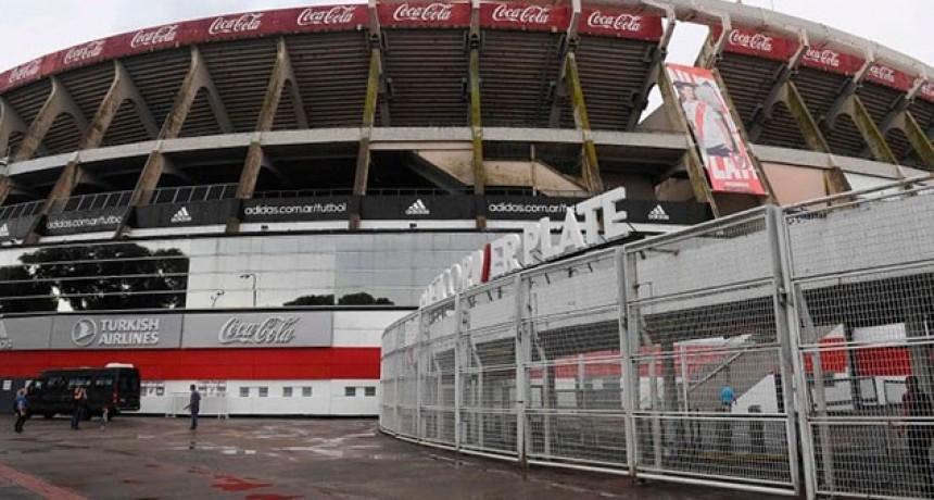 River conocería su sanción en 15 días y el fútbol argentino se pararía a la brevedad
