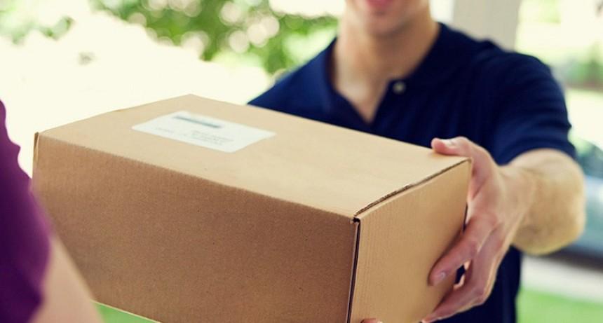 Correos pueden entregar cartas o paquetes sin requerir la firma del destinatario