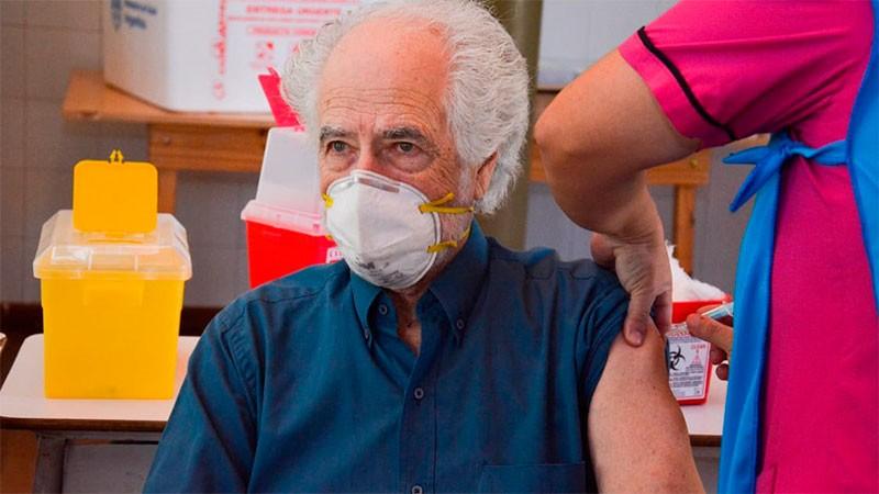 Personas previamente infectadas podrían no requerir segunda dosis de la vacuna