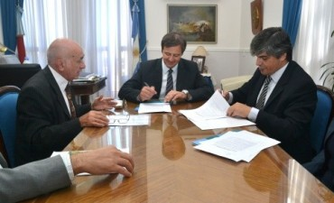 El gobierno firmó un convenio de colaboración para la profesionalización de cooperativas entrerrianas