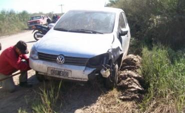 Auto embiste a una camioneta