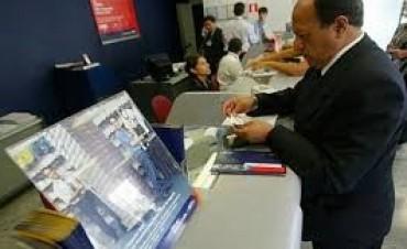 Reiteran los canales alternativos para efectuar operaciones bancarias