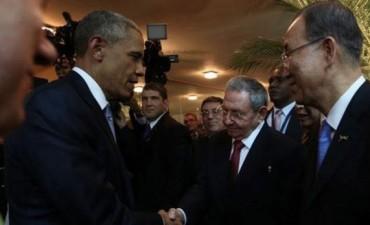 HISTÓRICO: Obama y Castro, juntos en la Cumbre de las Américas en Panamá
