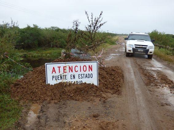 Transitar con precaución por el estado de los caminos del departamento