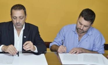 Firmaron convenio por carreras Terciarias con la UADER
