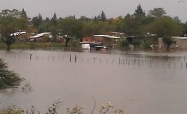 El agua cubrió nuevamente parte del Barrio Centenario
