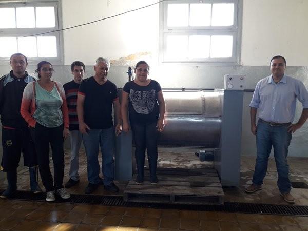 Presentaron las nuevas maquinarias del Lavadero del Hospital Colonia .