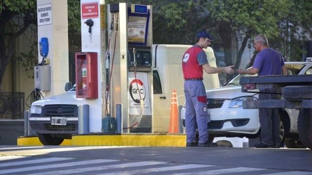 Aumentó el GNC a 11,99 pesos y se acerca al precio de la nafta