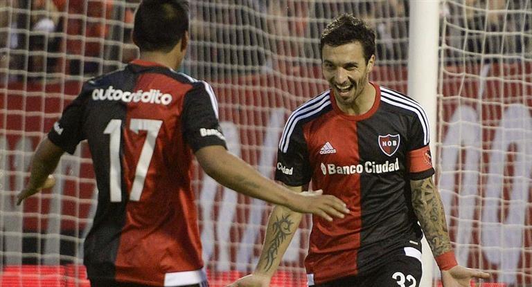 Newell's goleó en Mar del Plata y se acercó más a Boca