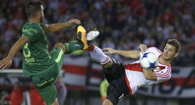 River frenó su escalada ante Sarmiento y no pudo descontarle puntos a Boca