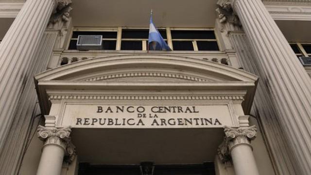Eliminan los límites de montos para transferencias bancarias