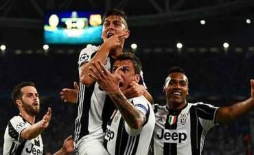Dybala fue figura en la goleada de Juventus ante Barcelona