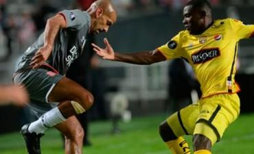 Copa Libertadores: Estudiantes cayó en el regreso de Verón y se complicó