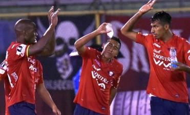 Atlético Tucumán no aguantó la altura, perdió con Jorge Wilstermann y quedó lejos