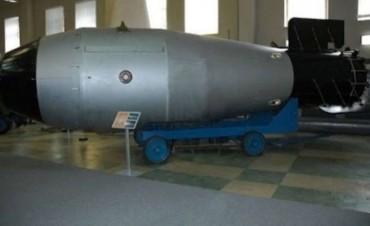 Tras el lanzamiento de la MOAB, en Rusia advierten que tienen al