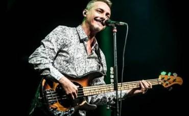 2/05: PEDRO AZNAR junto a su banda en Paraná!