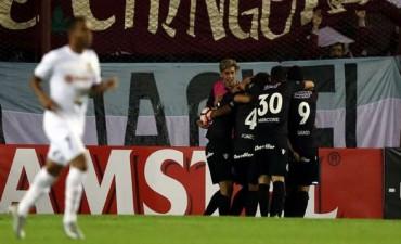 Lanús aplastó a Zulia y manda en el Grupo 7 de la Copa Libertadores