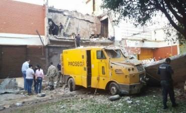 Con granadas y fusiles, un grupo comando robó 40 millones de dólares en Paraguay