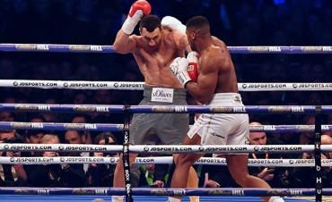 Boxeo: Anthony Joshua es el nuevo rey de los pesos pesados