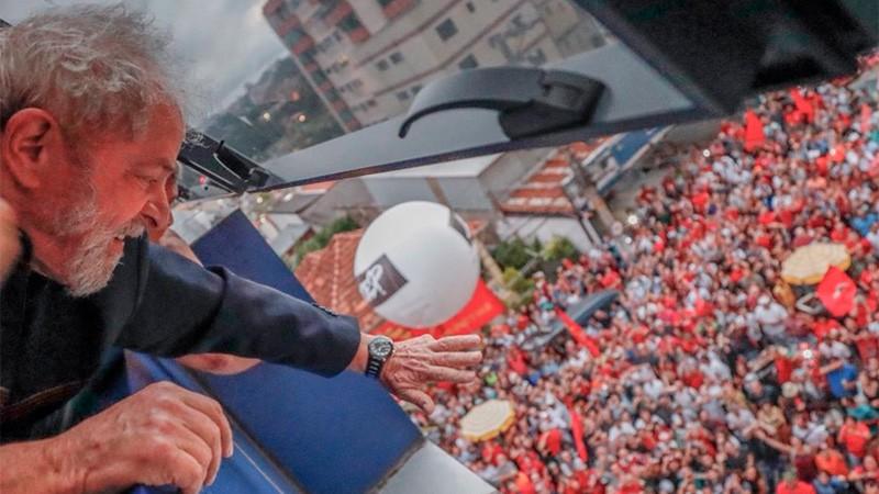 Lula no se entregó y negocia su arresto para el sábado o el lunes
