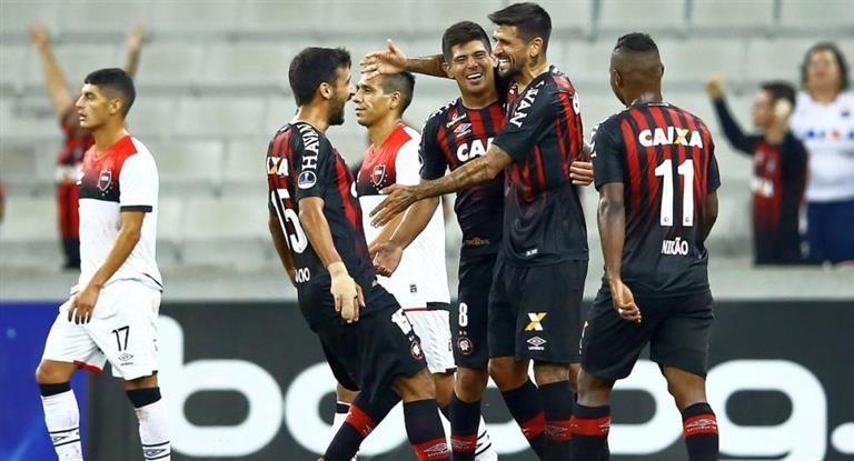 Newell's tuvo un debut para el olvido en la Sudamericana