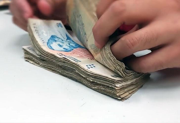 Multarán a comercios que rechacen billetes de dos pesos