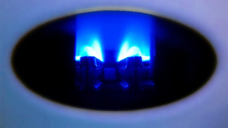 Cómo ahorrar gas natural: la llama del piloto gasta 12% en un hogar